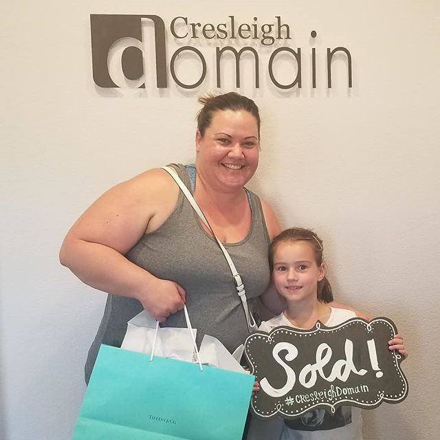 This month marks our FIRST move ins at Cresleigh Domain!!! 😁 Three families became homeowners (and our new neighbors) in September. It's been a joy to work with these families over the past five months. Many more closings to come at Folsom's best new community. 🕺 🎉