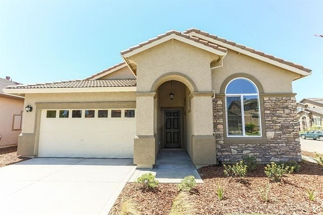 PENDING in Yuba City 🎉 - Congratulations to the Plantillas family for snagging this adorable home in the Cresleigh Peaks community in NW Yuba City! 🗝 🏡