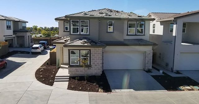 This weekend marks the final release of homes for sale at Cresleigh Domain. Wow! 😮 🎉 By the end of this month we'll have completed 22 handovers for the year. That's just shy of half the community! We'll be steam rolling into the new year with one handover a week. I'm ready 😎 @cresleighhomes #folsom #cresleighdomain