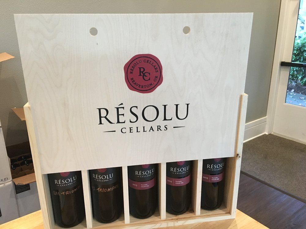 5 bottle wine box with screen print logo