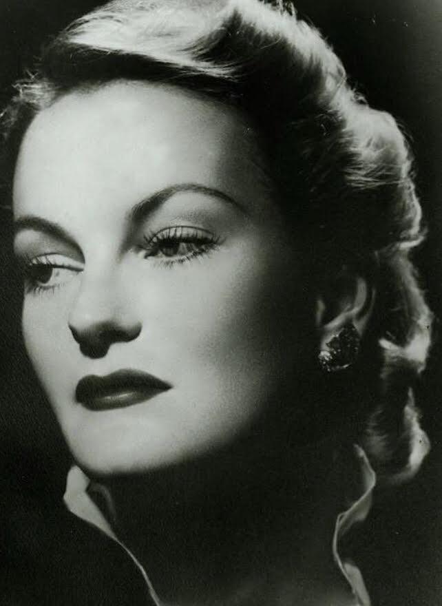 Mollie's jewelry icon, Doris Duke