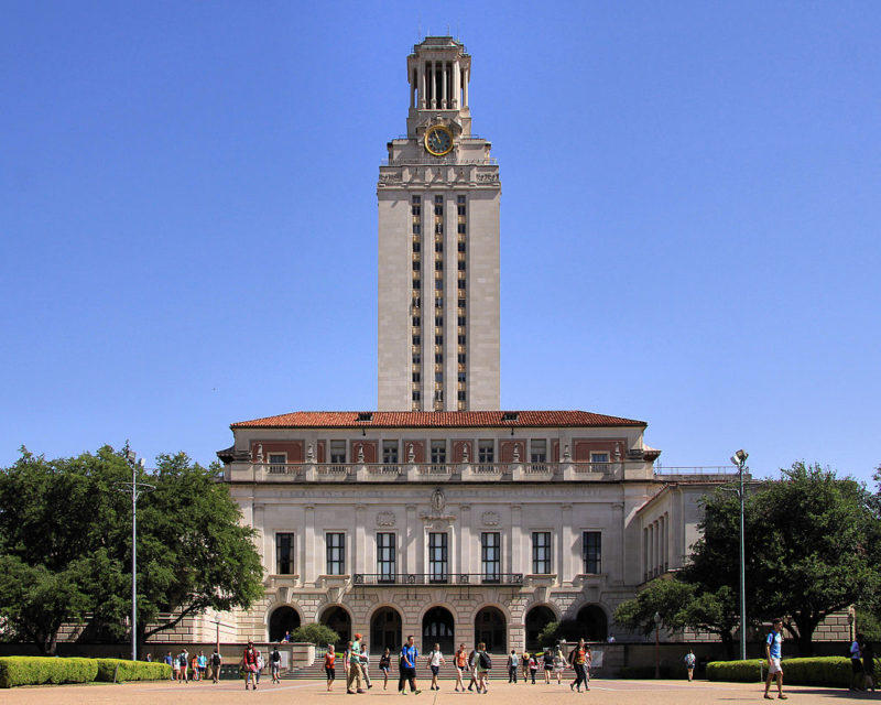 The University of Texas tower.    LARRY D. MOORE/WIKIMEDIA COMMONS (CC BY-SA 3.0)