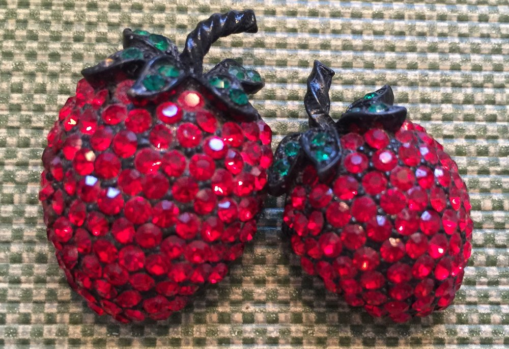 I collected a small Weiss strawberry to wear with my 1960s larger strawberry.