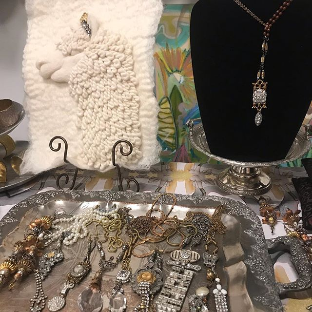 Super time here tonight at the Mistletoe Market here in Camp North End @windyoconnorart  Love how my pieces look with Windy's art and the llama from @ernieandirene ties it all together 😍 • • • • • • • #catiques #vintagejewelry #vintage #jewelry #flashesofdelight #ootd #pursuepretty #oneofakind #flashesofdelight #thatsdarling #jewelrydesign #statementjewelry #accessories #dscollections #theeverygirl #jewelryaddict #outfitinspiration #abmlifeisbeautiful #ernieandirene #hpadc #windyoconnorart  #dscolor #momentsofchic #smploves  #handmadejewelry #finditstyleit #mistletoe market #trends #campnorthend