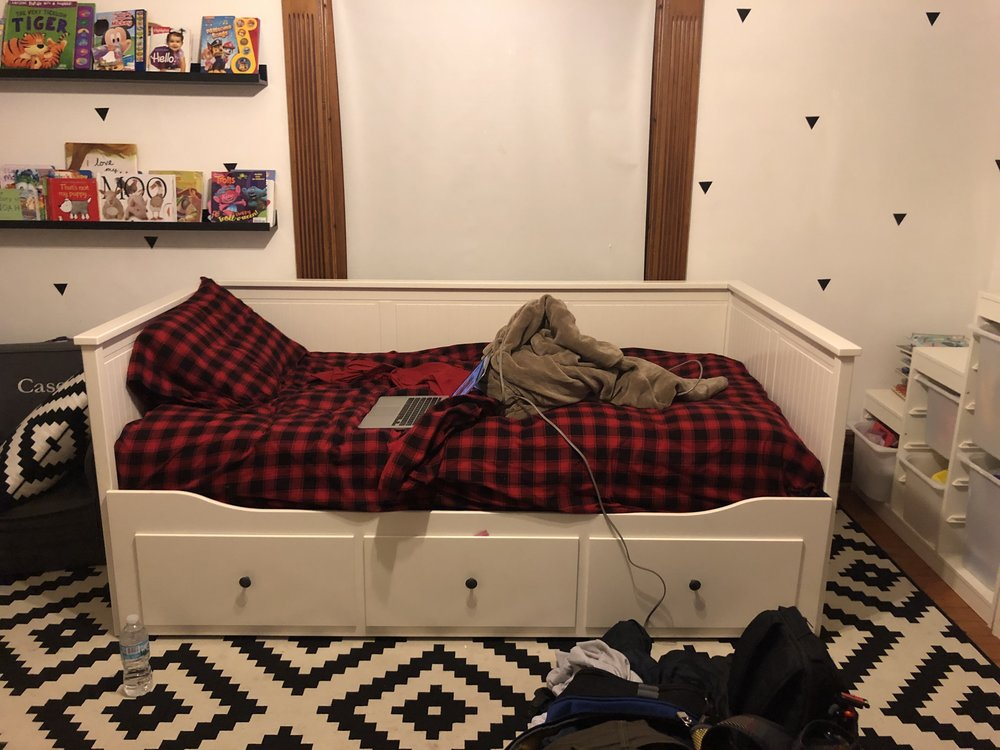 this is the bed i could be sleeping in right now but instead i'm writing this stupid post