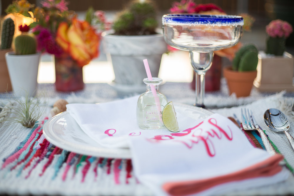 fiesta-place-setting-with-mini-patron-bottle-and-margaritas