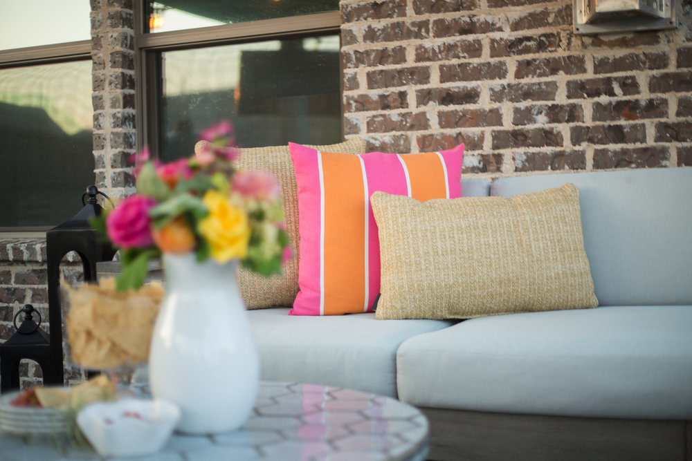 bright-colored-outdoor-pillows-for-outdoor-living