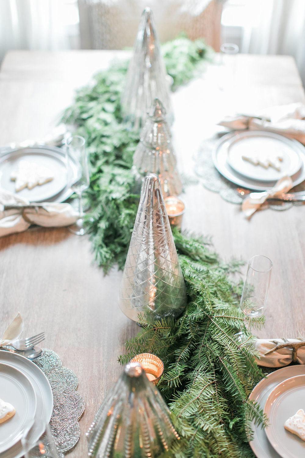 Neutral Christmas Tablescape
