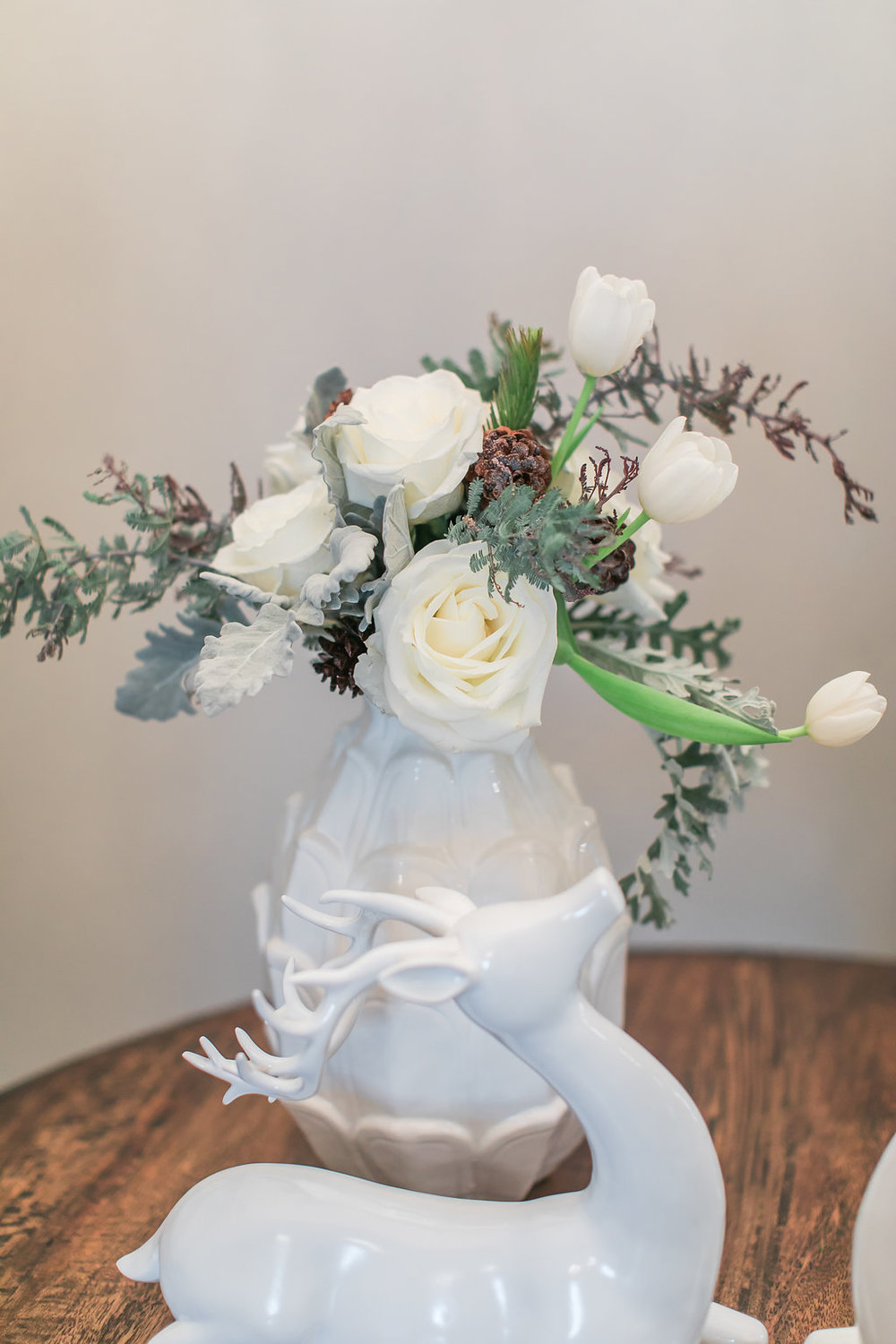 Christmas Floral Arrangement with Roses and Dusty Miller