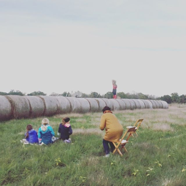 Take me back to the happy little place called Tyron farm. Exquisite meals, contemporary dance theatre performances, new friends and awe inspiring sunsets... wouldn't say it was a terrible weekend! 😉 Thank you @walkaboutthtr, Christina and all of the other performers for inspiring me.