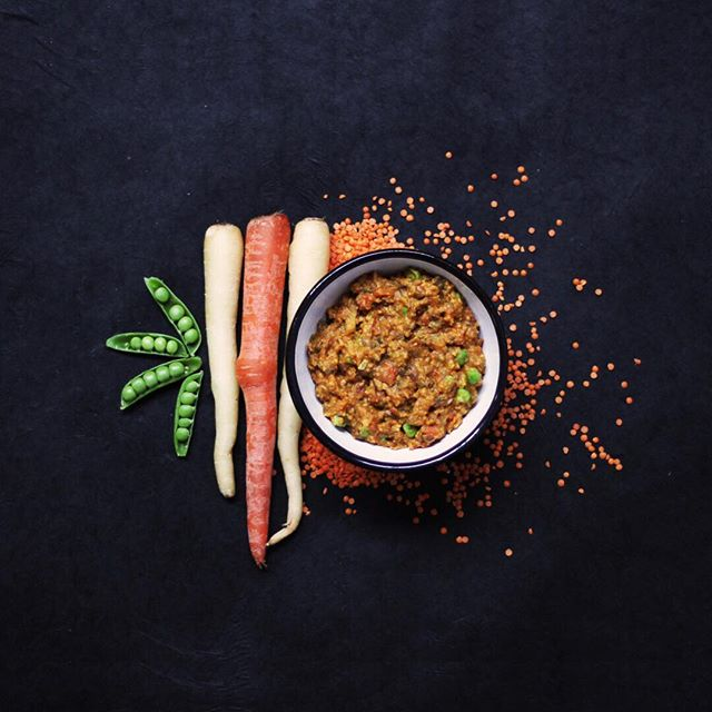 Confetti Lentils 🎉🥕🥦 Our French green #lentils are delicious protein packed meal high in fiber. Peppers, lentils, #potatoes, and #carrots combine carrots and spices for a shortcut version of an old-fashioned dish. Party On! 🎊#eatnobnullfood