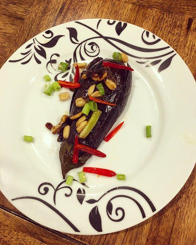 Sticky teriyaki eggplant made by the best @lauradichiera 😘🍆 recipe by @jamieoliver #food #dinner #eggplant #vegetarian #gf #glutenfree #healthyfoodshare #recipe #wellness