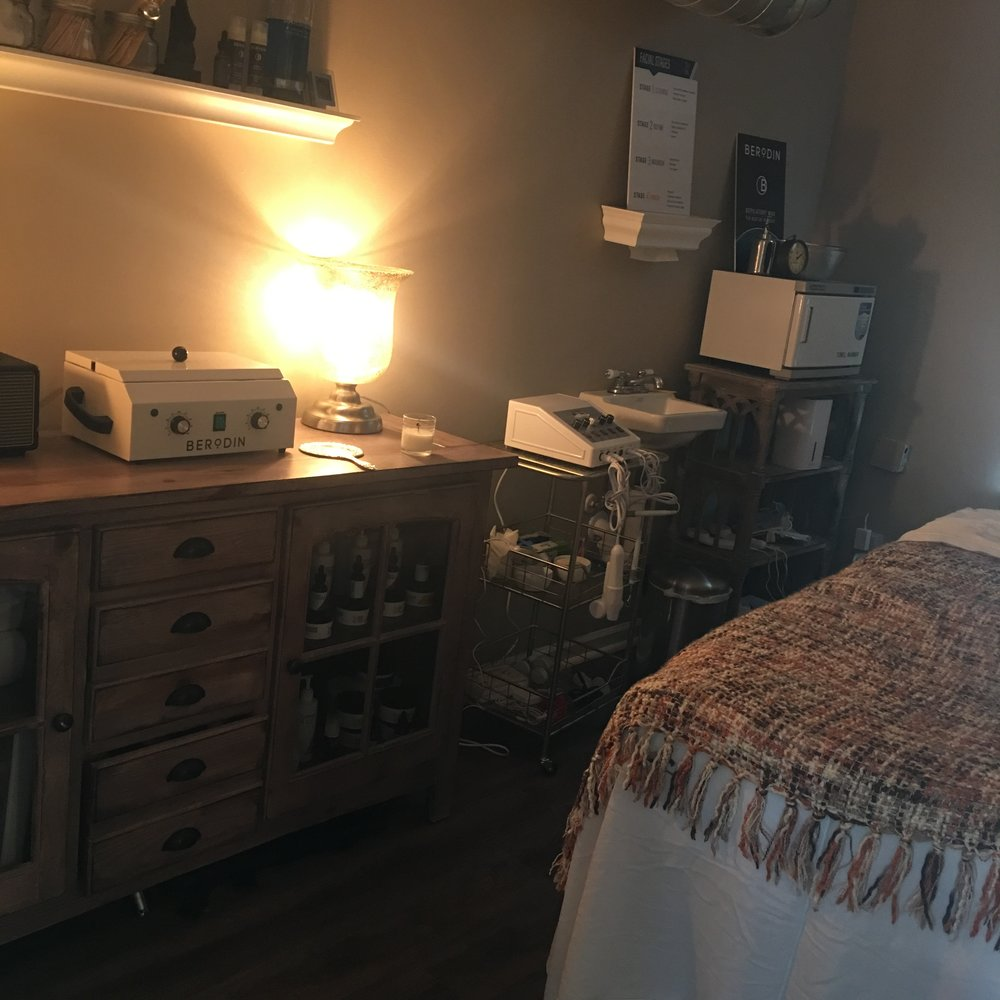 Joi Dreams Facial & Waxing Room