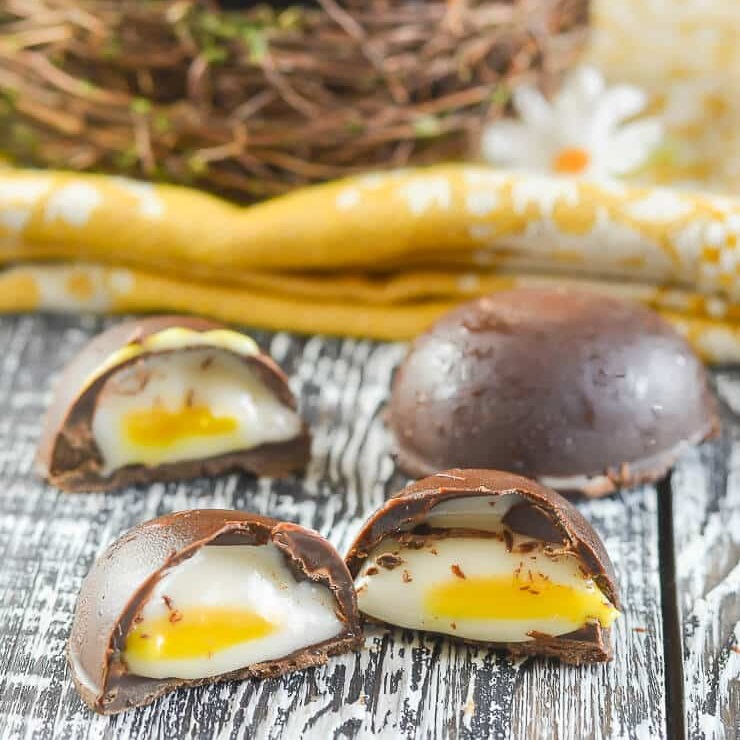 Hello Creme Eggs!  It just wouldn't be Easter without some oooey-gooey goodness! Try your hand at making your own vegan Creme Eggs with the great recipe from  A Virtual Vegan .