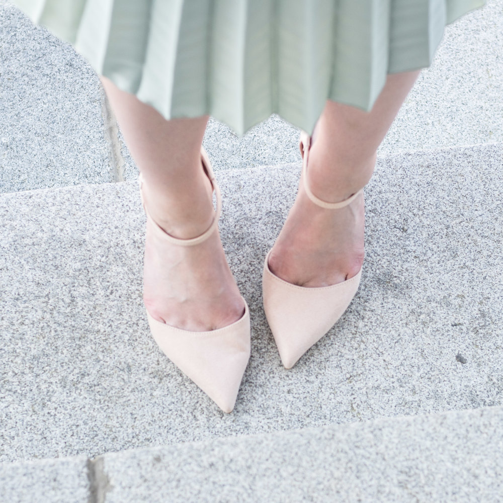 Tan Pointed Heels | Demure Fashion Blog
