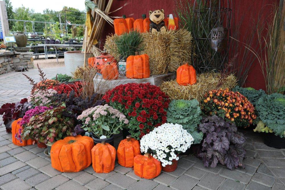 fall-decorations-2018-06.jpg