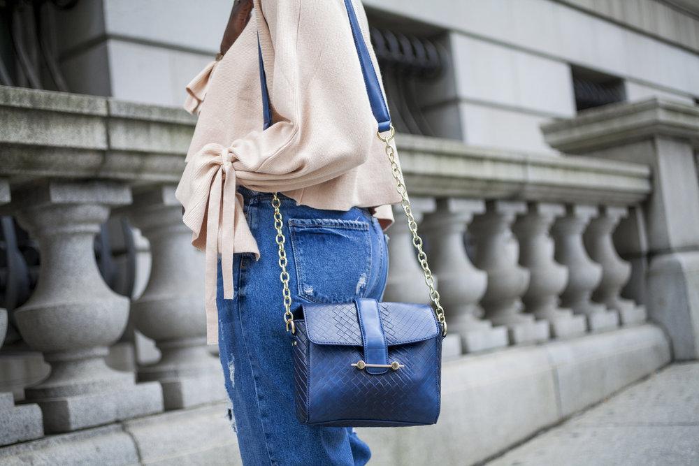 Dayna-Bolden-zara-off-the-shoulder-top-detail-sleeves-zara-patched-denim-jeans-12.jpg