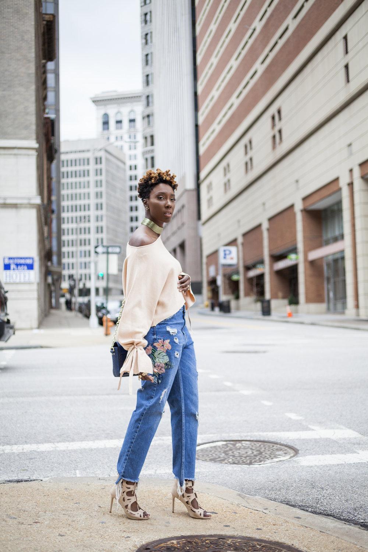 Dayna-Bolden-zara-off-the-shoulder-top-detail-sleeves-zara-patched-denim-jeans-15.jpg