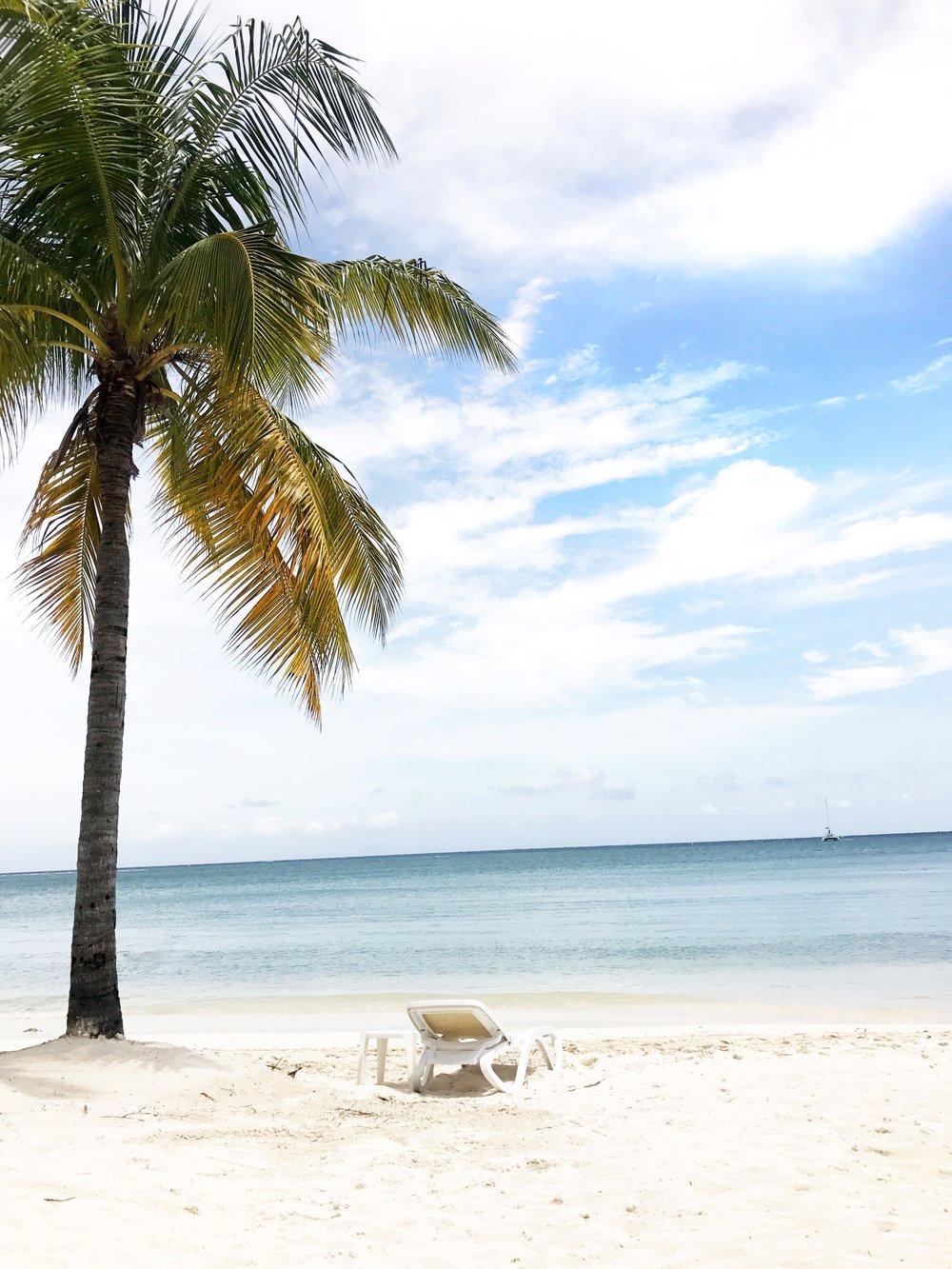 beach-shot-jamaica-dayna-bolden.jpg