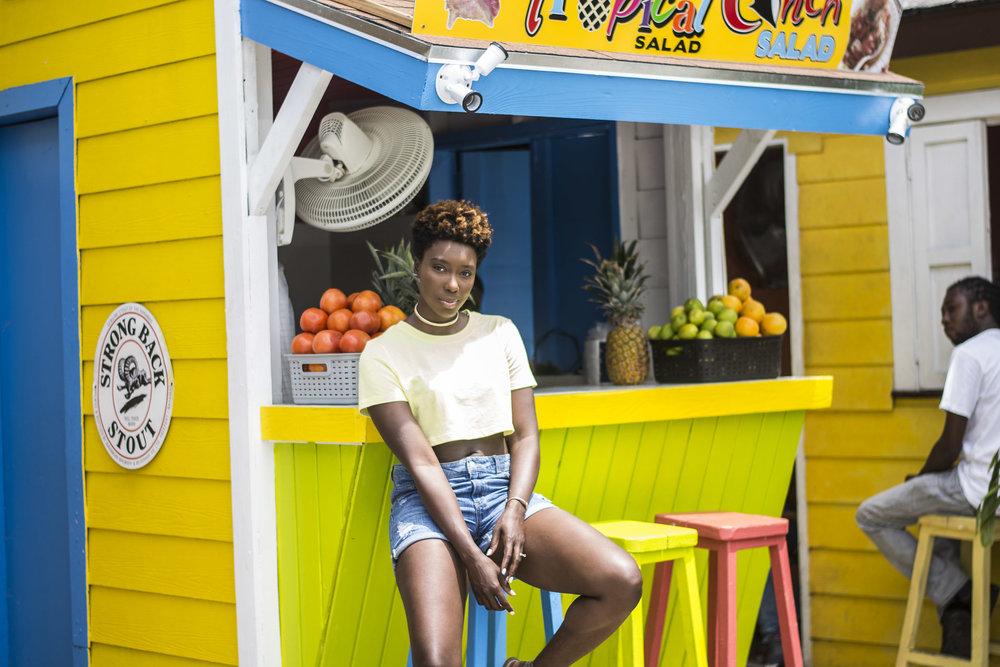 Neon-Dayna-Bolden-African-American-Travel-Blogger-Bahamas-Travel-1.jpg