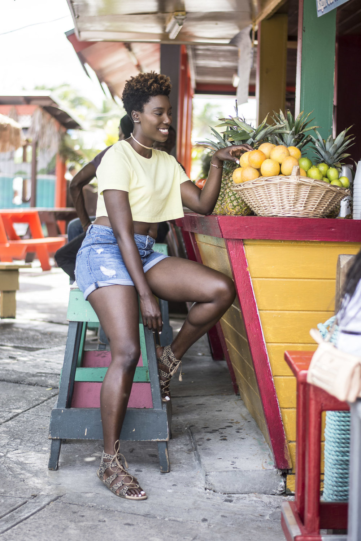 Neon-Dayna-Bolden-Neon-Neon-Dayna-Bolden-African-American-Travel-Blogger-Bahamas-Travel-8.jpg