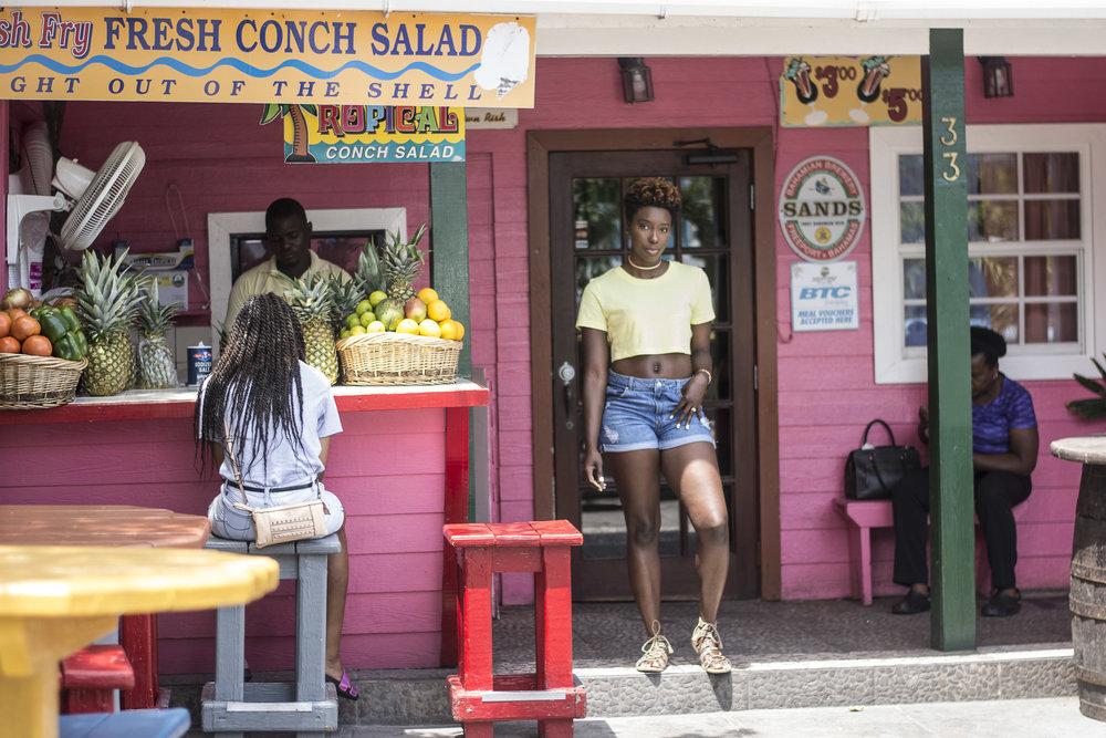 Neon-Dayna-Bolden-Neon-Neon-Dayna-Bolden-African-American-Travel-Blogger-Bahamas-Travel-10.jpg