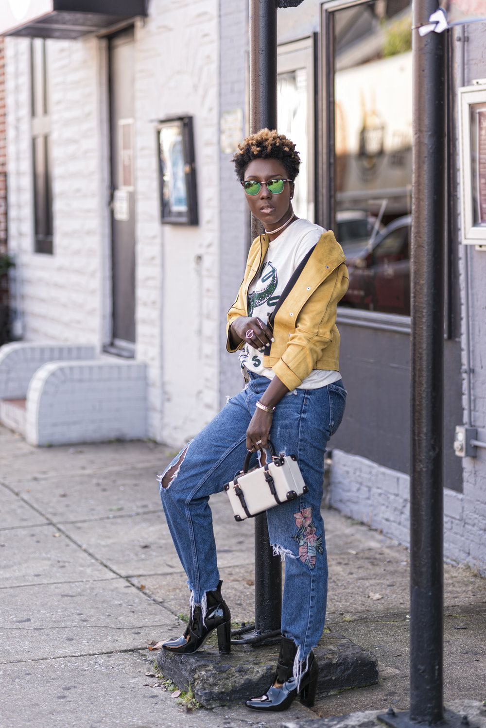 casual-fall-style-Zara-yellow-jacket-graphic-tee-dayna-bolden.jpg