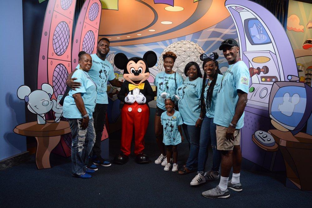 Meet Mickey Family .jpg