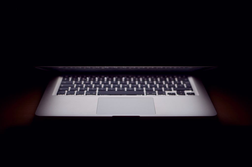 dark_macbook