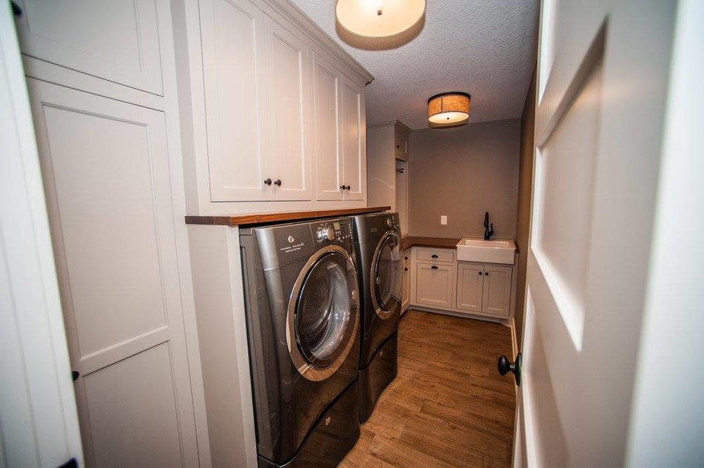 MUDROOM & LAUNDRY -