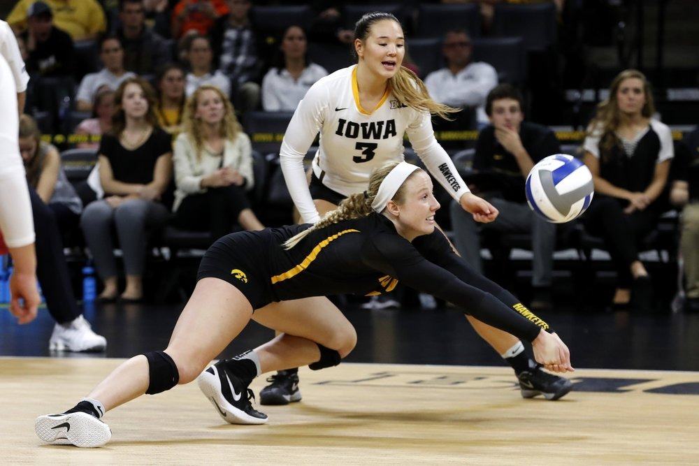 IOWA VOLLEYBALL VS MINNESOTA