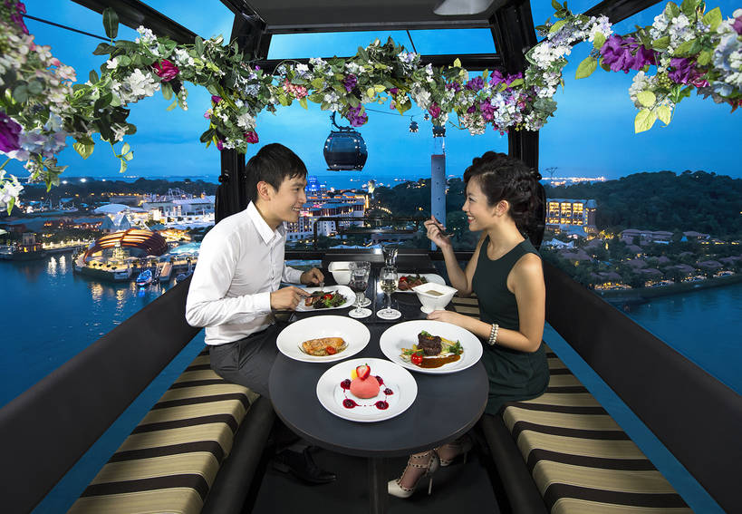 dining_on_cloud_9_floral_min.jpg