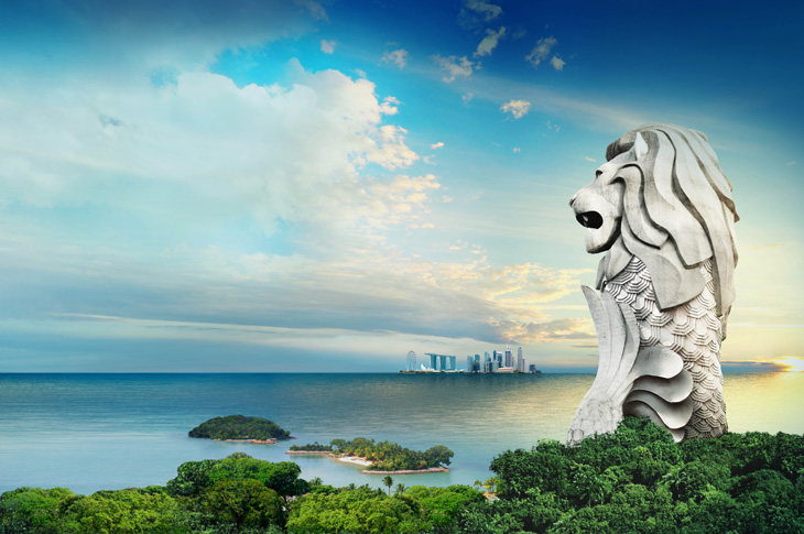 Sentosa Merlion Overlooking the Sea