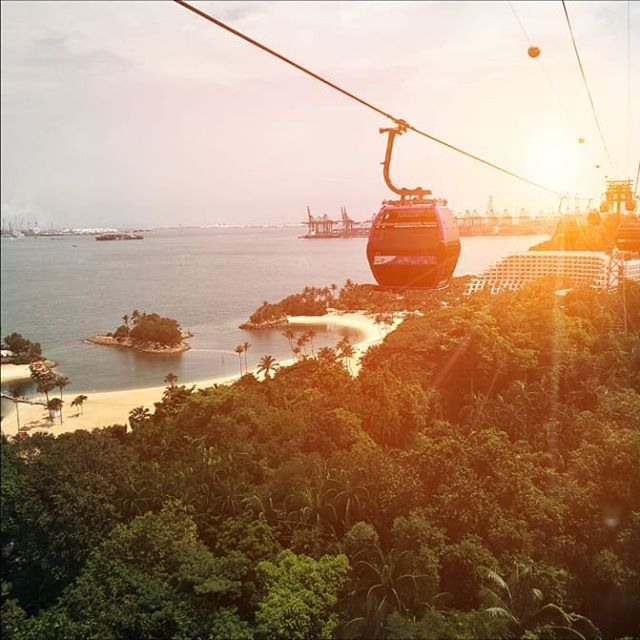 Why force yourself to choose between #sky, sand and #sea at Siloso Point when you can see all of them on board our cable cars? . . . #OneFaberGroup #sgig #exploreSG #IGSG #memories #delight #escapade #sunset #cablecar #singapore #sgig #exploresg #sunset #sun #sentosa #flare #photography #sunrise #scenery #beach #beachlife