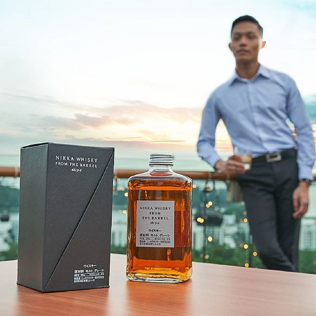 Ease into the rest of the week with #DuskSG's smooth, Japanese Nikka Whisky from the Barrel. . . . #OneFaberGroup #DuskSG #Joy #ExploreSG #IGSG #Singapore #Memories #Delight #Escapade #SkyView #Beverage #Drinks #Whiskey #Japan #Nightlife #Bottle #Dreams #Relax #Nightcap #skybar #sunset