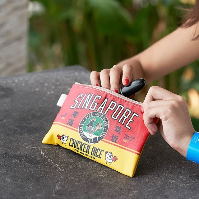 Spice up your style with a little local flavour. 😉 🇸🇬 These pouches are available at any Singapore Cable Car Gifts Shops and FUN Shops! . . . #OneFaberGroup #SingaporeCableCar #Memories #Delight #Escape #Escapade #ExploreSG #IGSG #Fashion #Style #Pouch #Singapore #NationalPride #Travel #Bags #Wanderlust