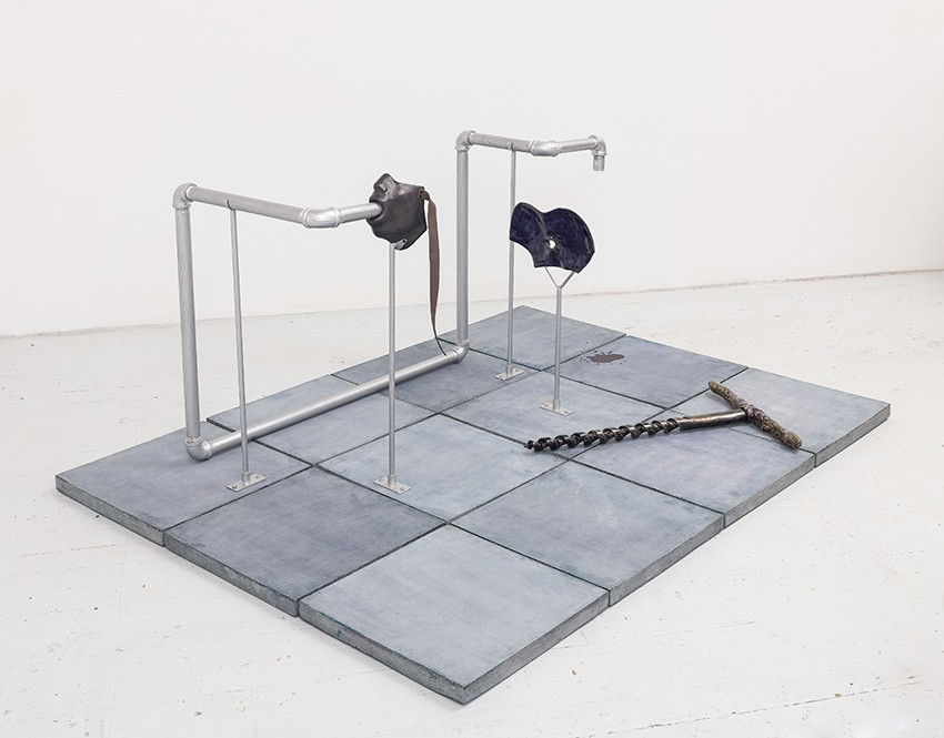Julia Phillips,  Extruder (#1),   2017. Partially glazed ceramics, screws, metal structure, metal pipes, concrete tile, lacquer.