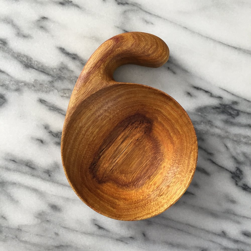 canary wood scoop