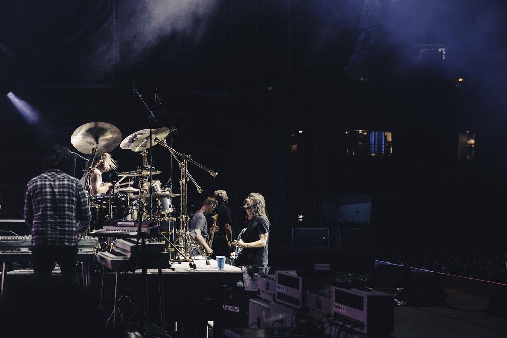Foo_Fighters_Toronto_Born_Razed_6.jpg