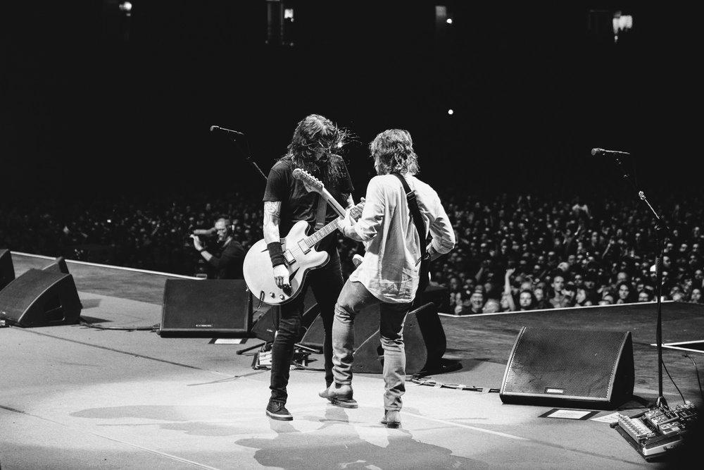 Foo_Fighters_Toronto_Born_Razed_5.jpg