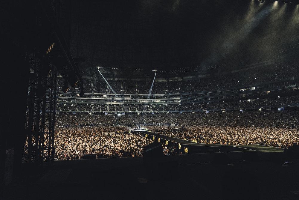 Foo_Fighters_Toronto_Born_Razed_9.jpg