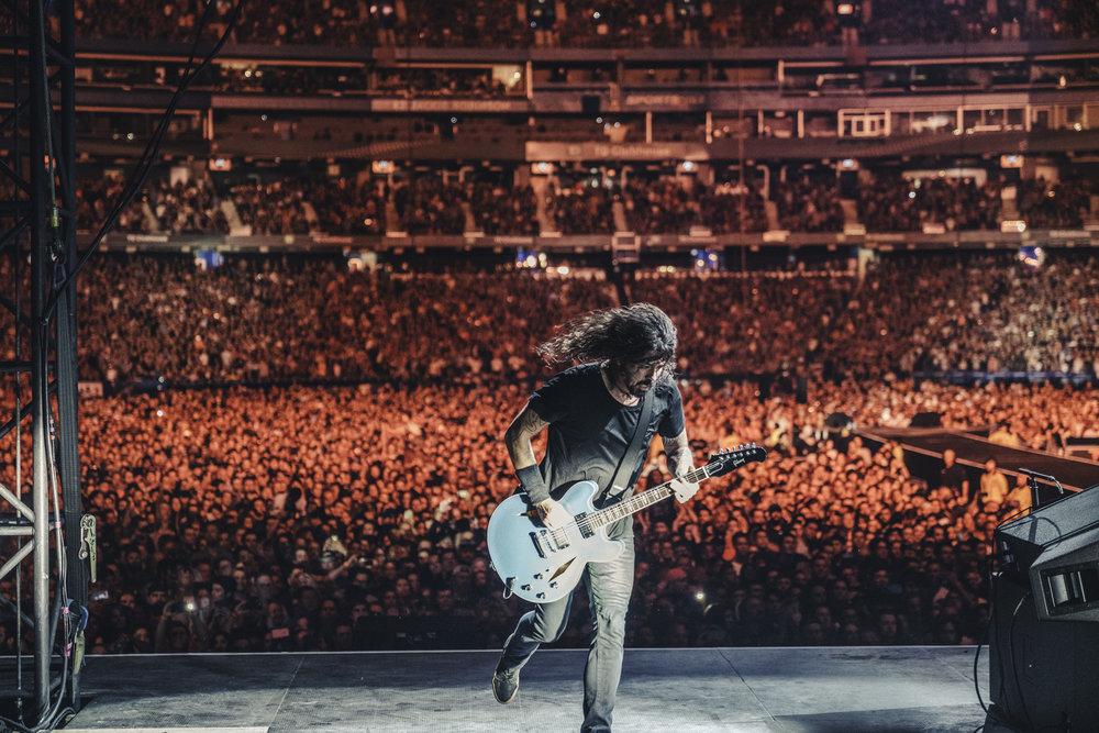 Foo_Fighters_Toronto_Born_Razed_12.jpg