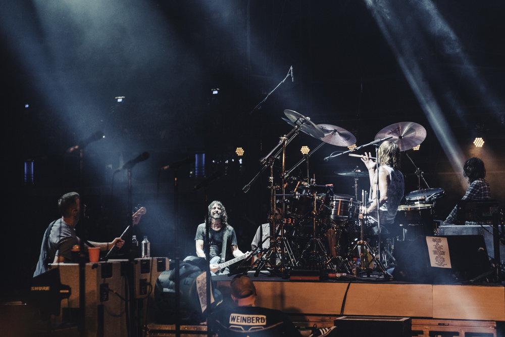 Foo_Fighters_Toronto_Born_Razed_15.jpg