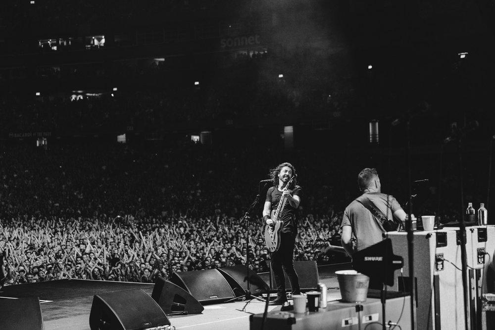Foo_Fighters_Toronto_Born_Razed_16.jpg