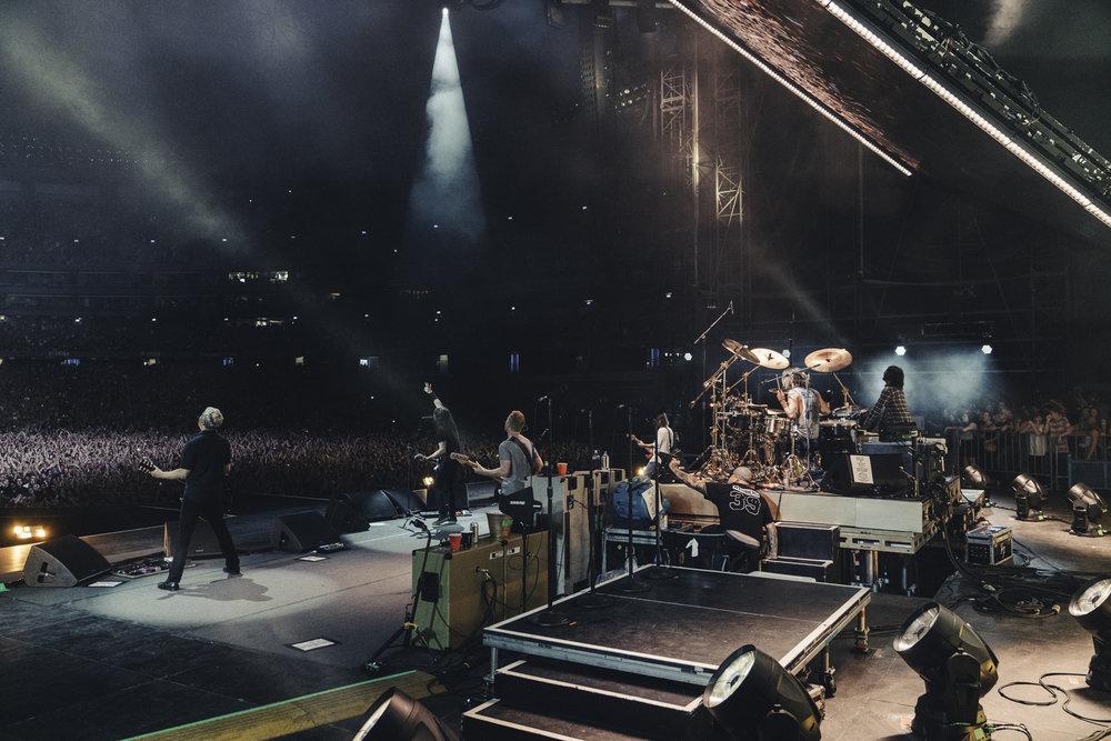 Foo_Fighters_Toronto_Born_Razed_18.jpg