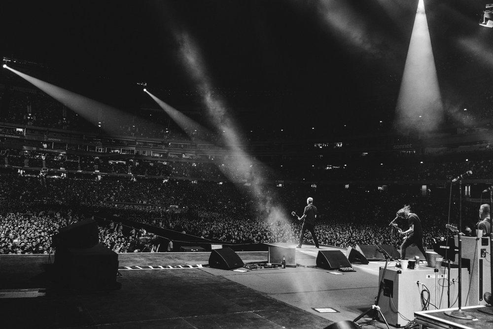 Foo_Fighters_Toronto_Born_Razed_25.jpg