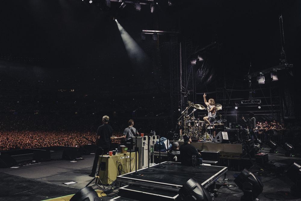 Foo_Fighters_Toronto_Born_Razed_28.jpg