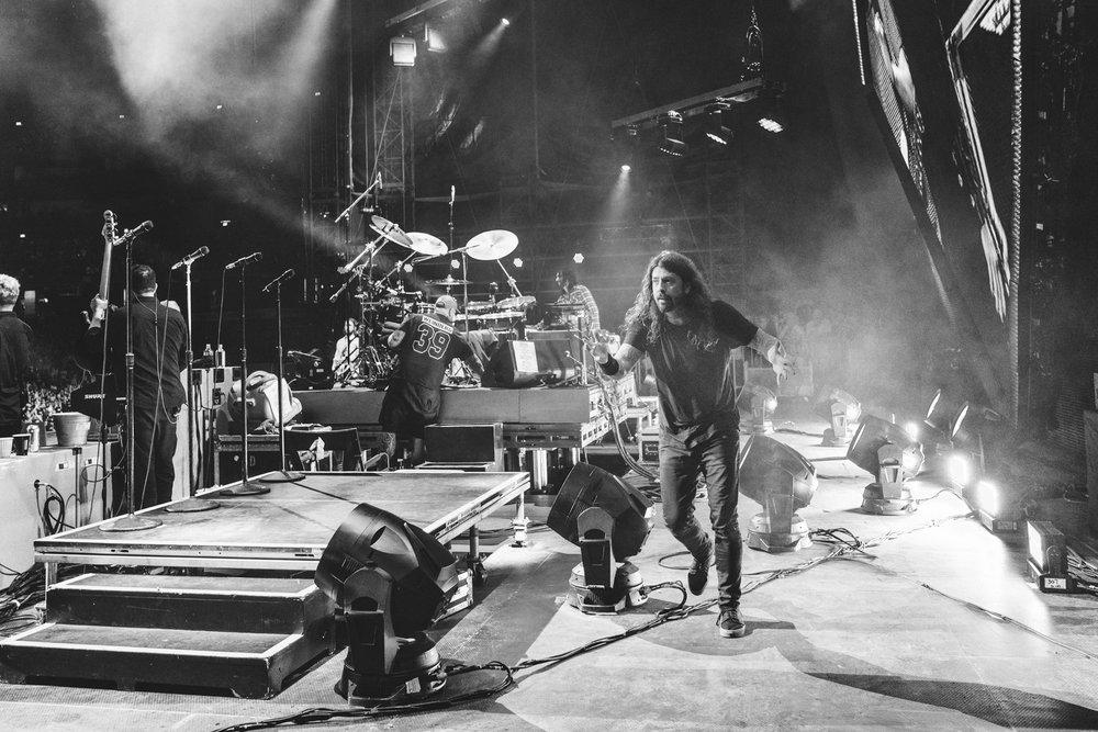 Foo_Fighters_Toronto_Born_Razed_32.jpg