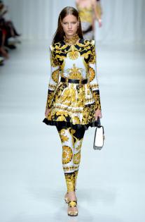 versace-rtw-spring-2018-milan-fashion-week-mfw-016.jpg