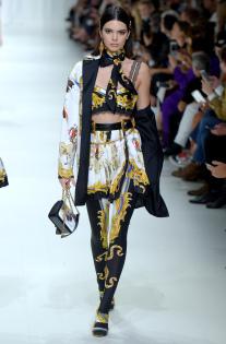 versace-rtw-spring-2018-milan-fashion-week-mfw-023.jpg